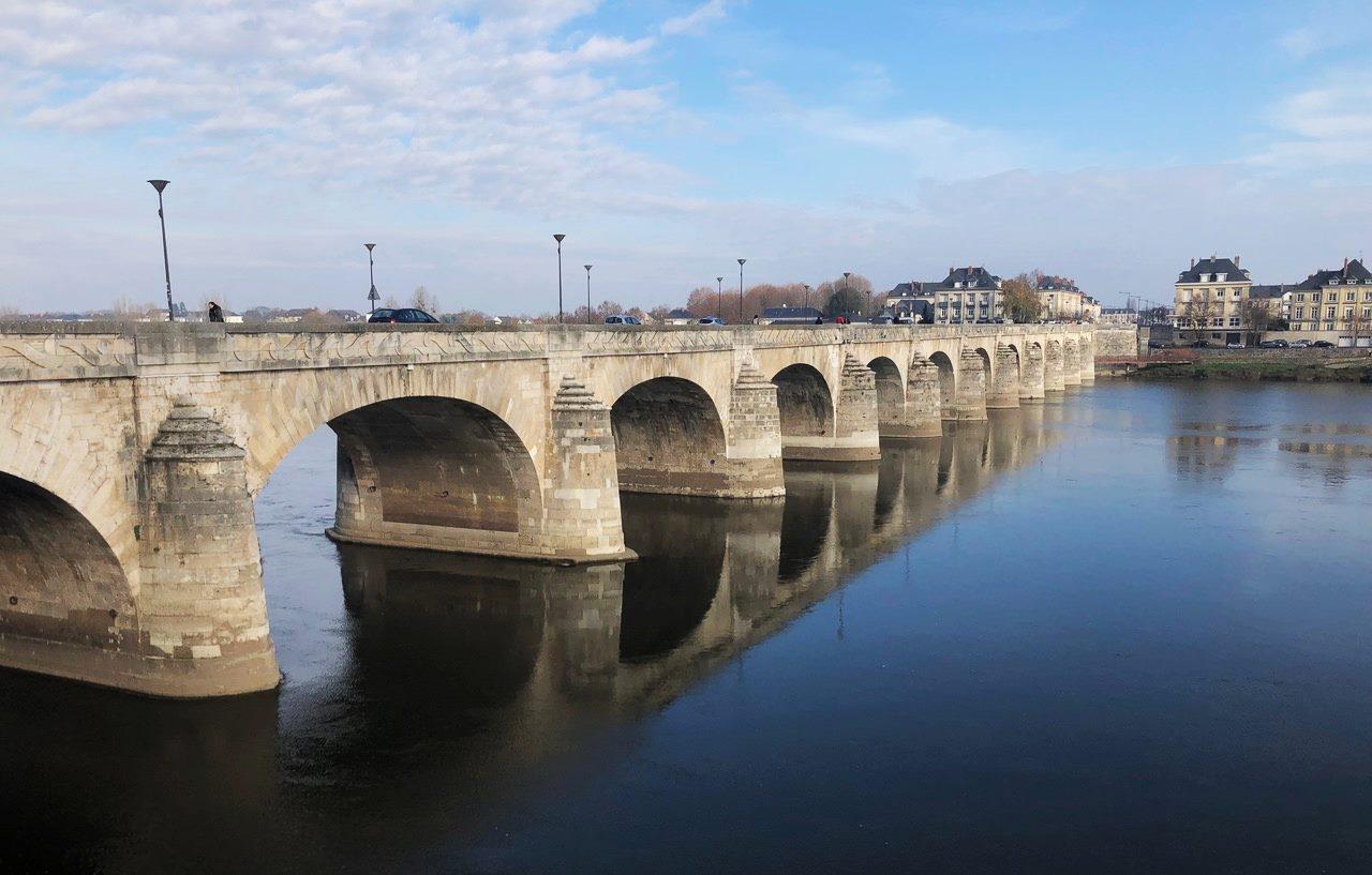 pont cessart à Saumur
